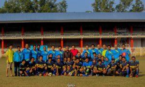 Sepakbola Silaturahmi PJKR'02 dan Dosen